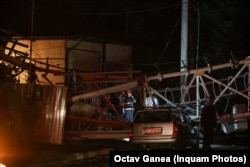 O antenă doborâtă de rafale în București în noaptea furtunii