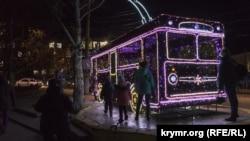 Тролейбус, що світиться у Сімферополі, 11 грудня 2020 року