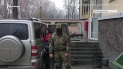 Адвоката Курбедінова доставили в суд (відео)