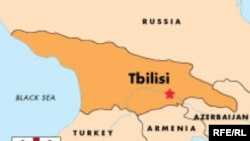 اتحاد شوروی فرو پاشيد و از دل خاکسترهای آن، در کنار روسيه، چهارده کشور نوپا برآمد.