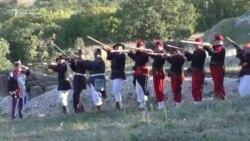 На фестивале в Севастополе реконструировали исторические бои (видео)