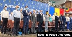 Liderul PNL Bihor, Ilie Bolojan, a evitat să se declare de partea vreunuia dintre cei doi candidați pe președinția PNL. Organizaţia sa va avea 180 de delegaţi la Congresul PNL din 25 septembrie.