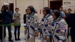 """Японский космонавт извинился за """"фейковую новость"""" о своем росте"""