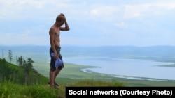 В родной деревне