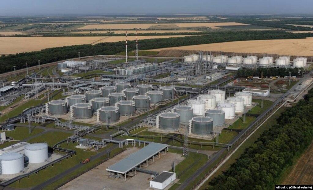 Українські експерти не дуже високо оцінювали якість пального, яке виробляє «Новошахтинський завод»