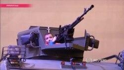 Слишком слабо для воюющей страны: украинские волонтеры обсуждают выставку вооружений