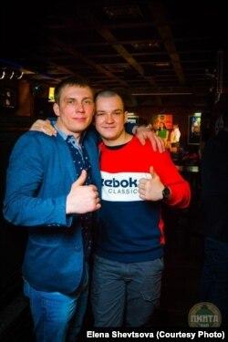 Погибшие матрос Юрий Шевцов и матрос Антон Монастырев