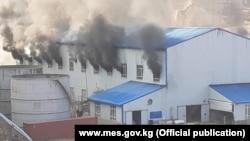 Пожар на фабрике компании «Фулл Голд Майнинг» в Ала-Букинском районе. 19 октября 2020 года.