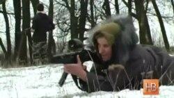 67-летняя учительница готовится к войне с сепаратистами