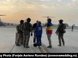 Imagini de la evacuarea românului din Afganistan
