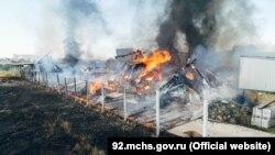 Площадь пожара в складском здании в Севастополе составила 600 кв метров