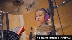 Нанди Бушел