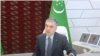 Prezident Gurbanguly Berdimuhamedow balkanly sürüji Eziz Çalow bilen sanly ulgam arkaly söhbetdeşlik edýär.