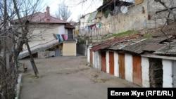 Двор дома №17А по улице Ревякина