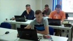 У Дніпропетровську демобілізовані бійці вчаться створювати сайти, аби адаптуватись до мирного життя
