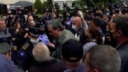 Protesta para Kuvendit në kundërshtim të qeverisë së re