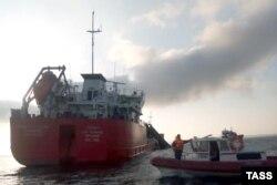 Вибух і пожежа на танкері «Генерал Ази Асланов» в Азовському морі. 24 жовтня 2020 року
