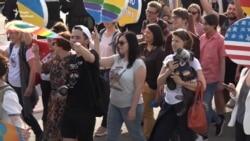 У кільці півтисячі правоохоронців: у Запоріжжі відбувся «Веселковий флешмоб» (відео)