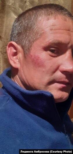 Сергей Амбросов после задержания участковым Бурятии