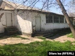 Аварийное здание школы в селе Багыс. Туркестанская область, 7 апреля 2021 года.