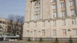 Черкаські активісти шукали тітушок в будівлі ОДА