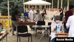 Пункт вакцинации в Бишкеке. 11 июля 2021 года.