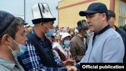 Садыр Жапаров на встрече с жителями села Максат. 6 мая 2021 года.