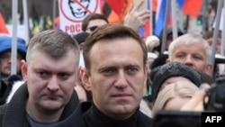 Навальный антиөкмөттүк жүрүштөрдүн биринде. 29-февраль, 2020-жыл.