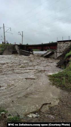 Рухнувший ж/д мост в Сретенском районе Забайкалья, 23 июля 2021 года