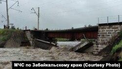 Podul luat de ape în regiunea Zabaikal, 23 iulie 2021