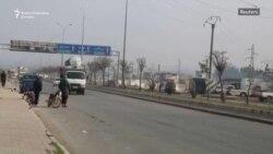 Civili u kolonama napuštaju Idlib