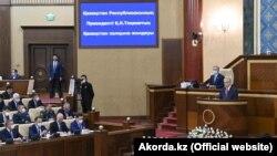 Президент Казахстана Касым-Жомарт Токаев выступает с «посланием народу». Нур-Султан, 1 сентября 2021 года