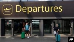 Британиядагы аэропорттордун биринин чыга бериши.