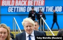 Boris Johnson prezent la reuniunea anuală a conservatorilor britanici, Manchester, 3 octombrie 2021.