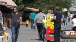 Գյումրիում ոստիկանները ընտրողներին «ներկա-բացակա» են անում