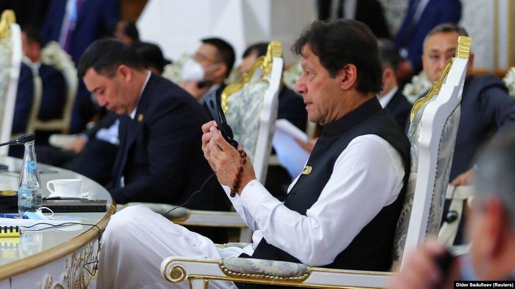 عمران خان، نخستوزیر پاکستان، در اجلاس سازمان همکاری شانگهای در دوشنبه، پایتخت تاجیکستان