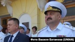 Міністр оборони України Павло Лебедєв (зліва), командувач ВМС ЗСУ Юрій Ільїн (справа). Севастополь, 29 червня 2013 року