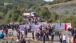 Protesta e duartrokitje për Vuçiqin