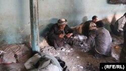 شماری از معتادان صحتیاب شده در ولایت جوزجان که دوباره به مواد روی آورده اند