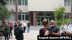 Суд в Краснодаре, перед заседанием по мере пресечения по Андрею Пивоварову