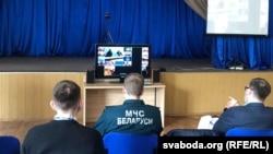 Падчас грамадзкіх слуханьняў на пункце доступу ў Менску