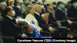 Туркменский композитор Реджеп Реджепов (в центре). Фото ТДХ