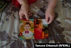 ნათია ბერძენიშვილი შვილების - მარიამის და ნიკოლოზის ფოტოებს მაჩვენებს
