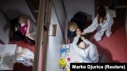 U Srbiji se do 20. februara za vakcinu prijavilo tek nešto više od 1.060.000 građana. (Foto: Vakcinacija u Beogradu 2 februara 2021.)