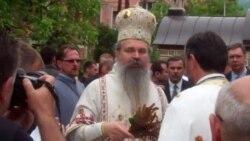 Vučić na liturgiji u Leposaviću