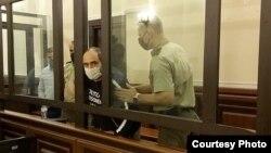 Giorgi Rurua (center) pictured in a Tbilisi courtroom.