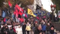 Тисячі людей пройшли «Маршем слави героїв» у Києві (відео)
