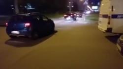 Кандидату от КПРФ в Казгордуму разбили стекло машины