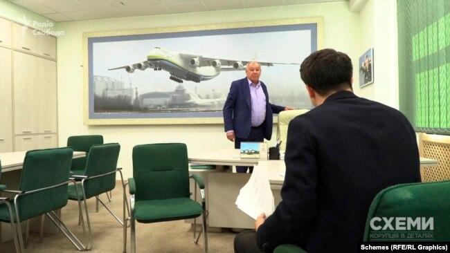 Прохання прокоментувати підозрілі контракти керівник авіаліній Харченко зустрів дещо вороже
