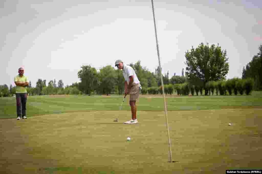 """Жантай Малатаев - гольф боюнча """"спорт чебери"""" деген наамга ээ болгон Кыргызстандагы алгачкы спортчу."""